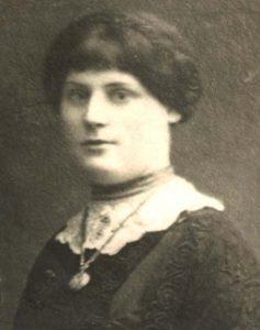 esther-kreitman-singer